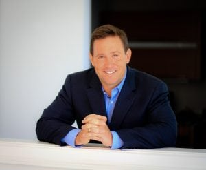 Be a Positive Leader – Help People be Their Best and Hold Them Accountable – An inspiring conversation with Jon Gordon, whose best-selling books and talks have inspired readers and audiences around the world, including teams in the NFL, NBA, MLB, and Fortune 500 companies.